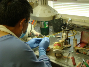 Denture Repair Lab